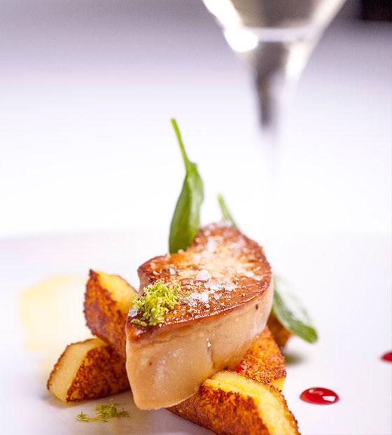 Escalopine de foie gras et polenta au yuzu